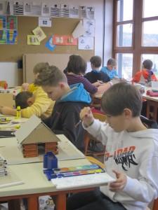 5. Klasse baut Blockhütten